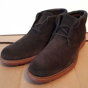 New Rockport Chukkas